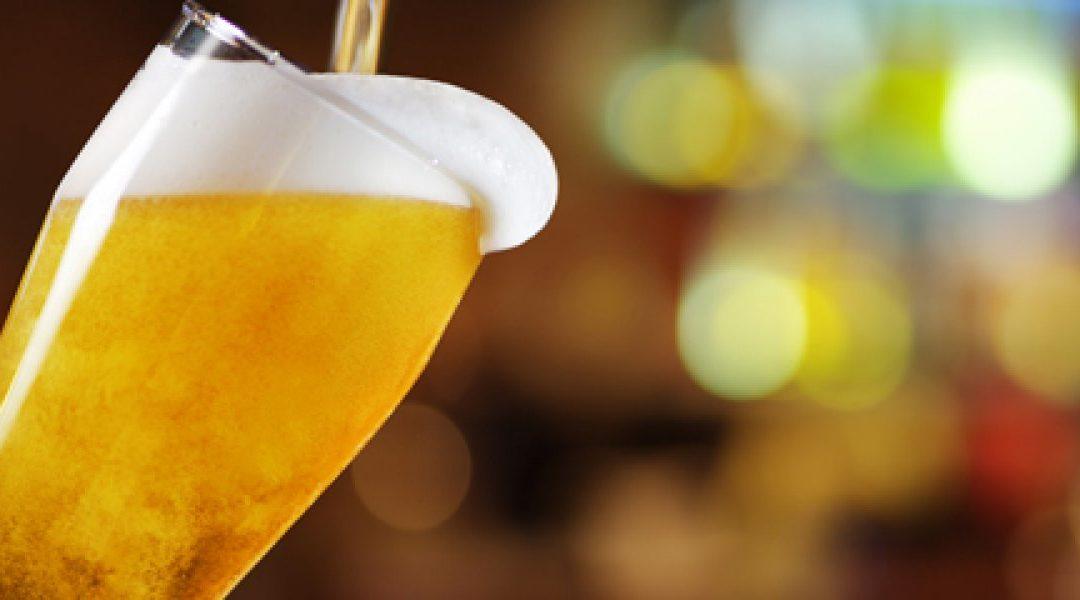 Gebruik van alcohol terugdringen in het verkeer